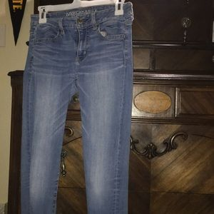 American Eagle Size 4 Skinny Jeans Light Wash
